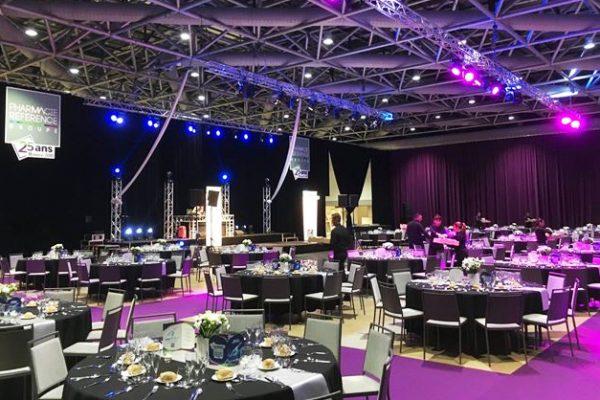 Sonorisation, mise en lumière, décoration, spectacles pour vos repas de gala, conventions...